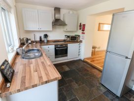 Oysterbank Cottage - South Wales - 1053063 - thumbnail photo 10