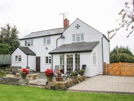 5 bedroom Cottage for rent in Oswestry