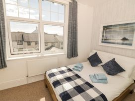 Ketch Cottage - Anglesey - 1053114 - thumbnail photo 10