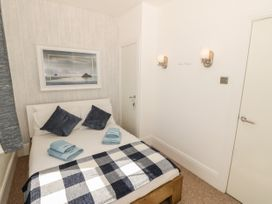 Ketch Cottage - Anglesey - 1053114 - thumbnail photo 12