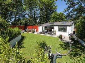 Summer House - South Wales - 1053124 - thumbnail photo 1