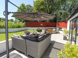 Summer House - South Wales - 1053124 - thumbnail photo 3