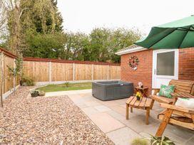 Marsh View Cottage - Lincolnshire - 1053346 - thumbnail photo 17