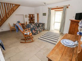 Garden Cottage - South Wales - 1053398 - thumbnail photo 4