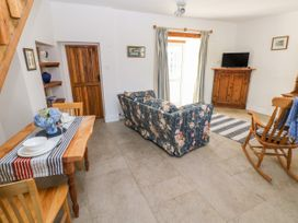 Garden Cottage - South Wales - 1053398 - thumbnail photo 8