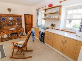 Garden Cottage - South Wales - 1053398 - thumbnail photo 11