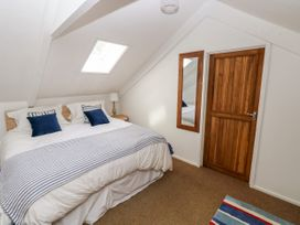 Garden Cottage - South Wales - 1053398 - thumbnail photo 13