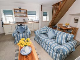 Garden Cottage - South Wales - 1053398 - thumbnail photo 6