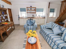Garden Cottage - South Wales - 1053398 - thumbnail photo 7