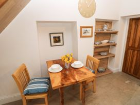 Garden Cottage - South Wales - 1053398 - thumbnail photo 10