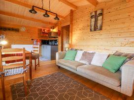 Beckside Lodge - Whitby & North Yorkshire - 1053447 - thumbnail photo 5
