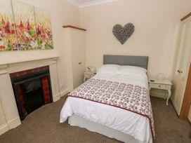 11 Llanion Cottages - South Wales - 1053594 - thumbnail photo 11