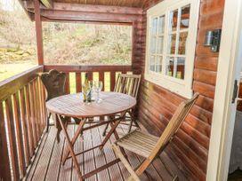 Walker Wood Log Cabin - Peak District - 1053826 - thumbnail photo 4