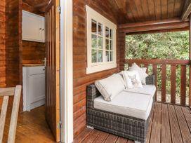 Walker Wood Log Cabin - Peak District - 1053826 - thumbnail photo 5