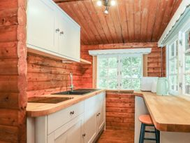 Walker Wood Log Cabin - Peak District - 1053826 - thumbnail photo 9