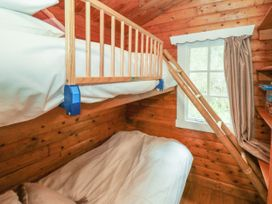 Walker Wood Log Cabin - Peak District - 1053826 - thumbnail photo 11