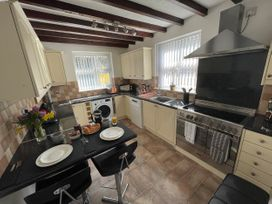 7 Castle Terrace - North Wales - 1053868 - thumbnail photo 18