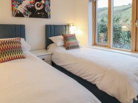 2 Garden Apartment - Devon - 1053912 - thumbnail photo 12