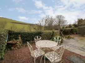 2 Garden Apartment - Devon - 1053912 - thumbnail photo 18