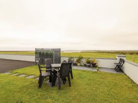 Sea View Lodge - County Clare - 1054100 - thumbnail photo 23
