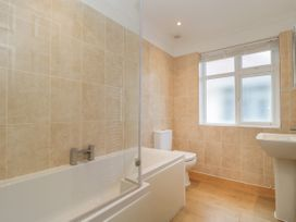 Apartment 2 - Dorset - 1054178 - thumbnail photo 9