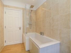 Apartment 2 - Dorset - 1054178 - thumbnail photo 10