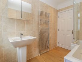 Apartment 2 - Dorset - 1054178 - thumbnail photo 11