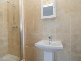 Apartment 2 - Dorset - 1054178 - thumbnail photo 12