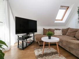 Apartment 3 - Dorset - 1054180 - thumbnail photo 5