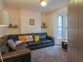 13 Ferndale Terrace - Whitby & North Yorkshire - 1054230 - thumbnail photo 2