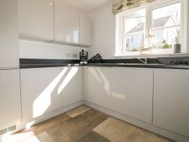4 Trerammet Crescent - Cornwall - 1054473 - thumbnail photo 10