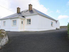3 bedroom Cottage for rent in Derrybeg