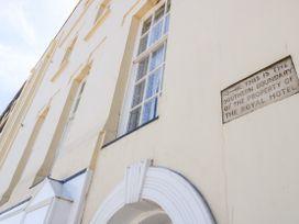 Royal Quarters - Dorset - 1054878 - thumbnail photo 3