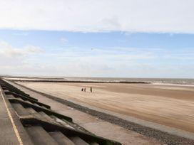 Beachside - North Wales - 1054919 - thumbnail photo 35