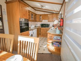 Jean's Lodge- Malton Grange - Whitby & North Yorkshire - 1054980 - thumbnail photo 8