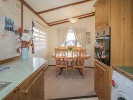 Jean's Lodge- Malton Grange - Whitby & North Yorkshire - 1054980 - thumbnail photo 9