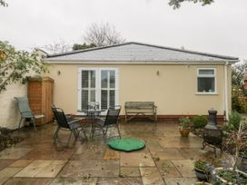 Gabby's Garden Cottage - Whitby & North Yorkshire - 1055005 - thumbnail photo 22