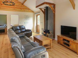 Ploony Hill Cabin - Mid Wales - 1055053 - thumbnail photo 4