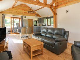 Ploony Hill Cabin - Mid Wales - 1055053 - thumbnail photo 6