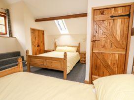 Ploony Barn - Mid Wales - 1055054 - thumbnail photo 13