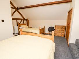 Ploony Barn - Mid Wales - 1055054 - thumbnail photo 14