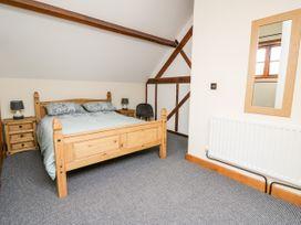 Ploony Barn - Mid Wales - 1055054 - thumbnail photo 17