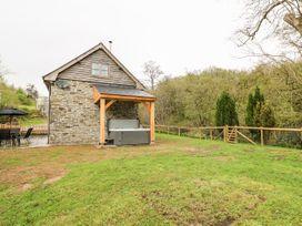 Ploony Barn - Mid Wales - 1055054 - thumbnail photo 22