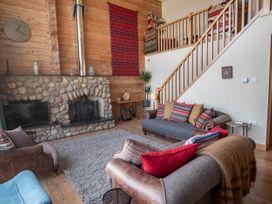 Casa Loma - Lake District - 1055063 - thumbnail photo 5