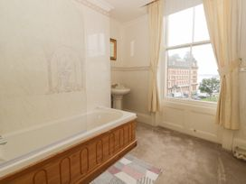 Hatbox Holiday Home - Whitby & North Yorkshire - 1055143 - thumbnail photo 10
