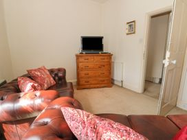 Hatbox Holiday Home - Whitby & North Yorkshire - 1055143 - thumbnail photo 11