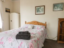 Hatbox Holiday Home - Whitby & North Yorkshire - 1055143 - thumbnail photo 12