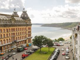 Hatbox Holiday Home - Whitby & North Yorkshire - 1055143 - thumbnail photo 2