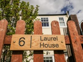Laurel House - North Yorkshire (incl. Whitby) - 1055175 - thumbnail photo 2