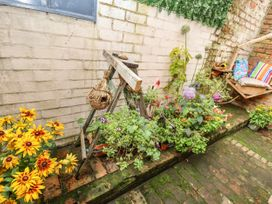 Isadore Cottage - Lincolnshire - 1055421 - thumbnail photo 28